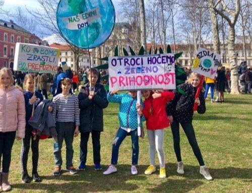 Mladi protestirajo, ker starejši nočejo odrasti